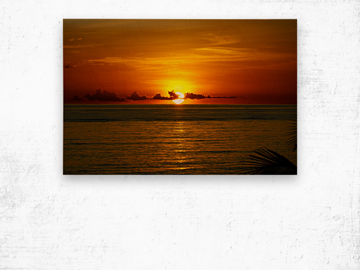 Sun rising on the Caribbean Wood print