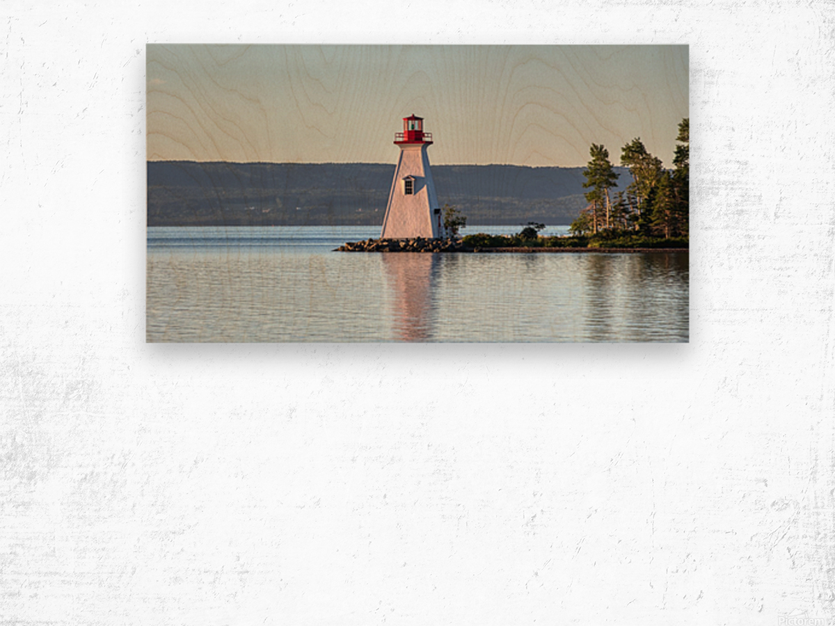 Baddeck Lighthouse Wood print