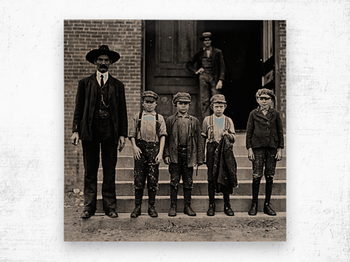 young workers around 1908 Wood print