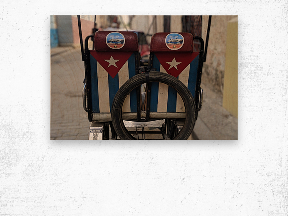 Cuban Bicycle Taxi Wood print