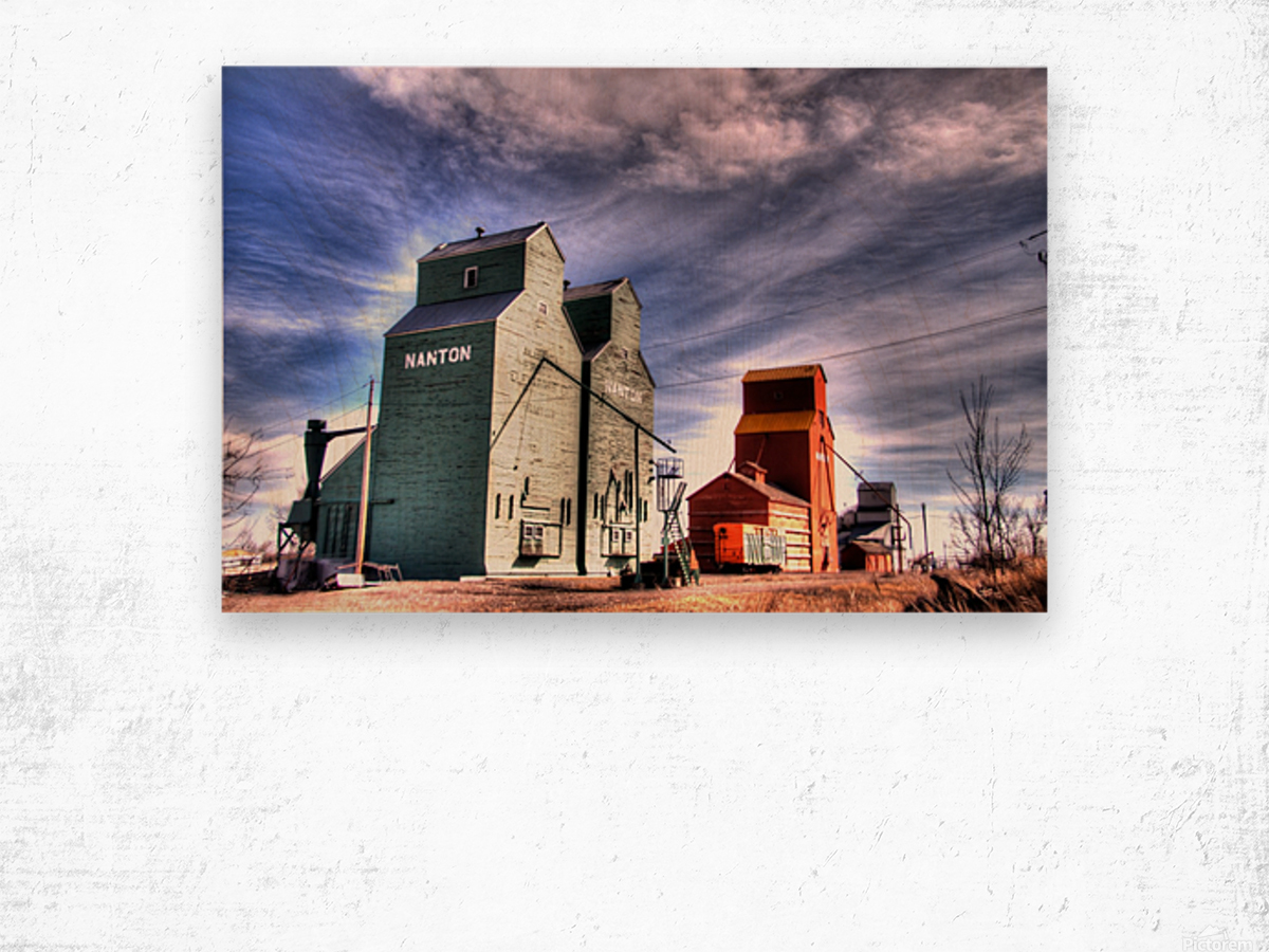 Grain Elevators in Nanton Alberta Wood print