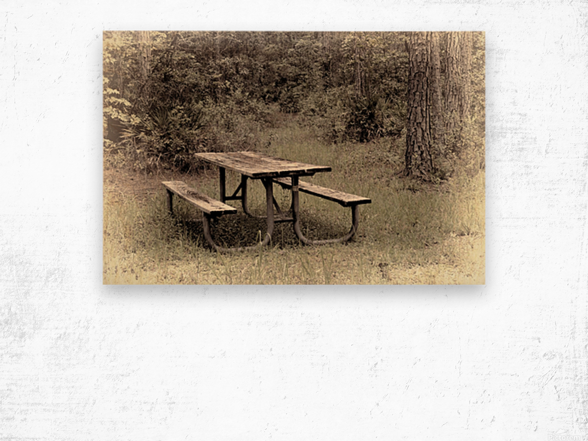 A_Lonely_Table Wood print