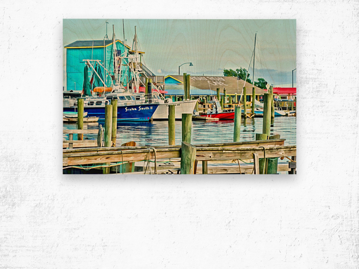 Fishy Fish  Cafe Harbor View Wood print