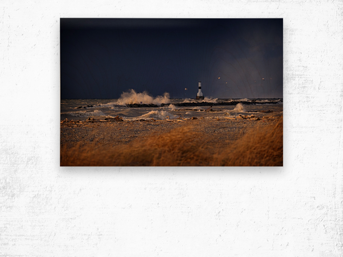 Lighthouse at Conneaut Ohio on Lake Erie during storm Wood print