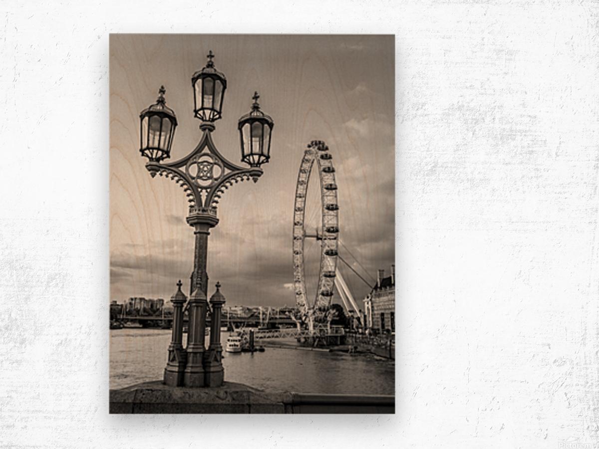 Street lamp with London Eye, London, UK Wood print