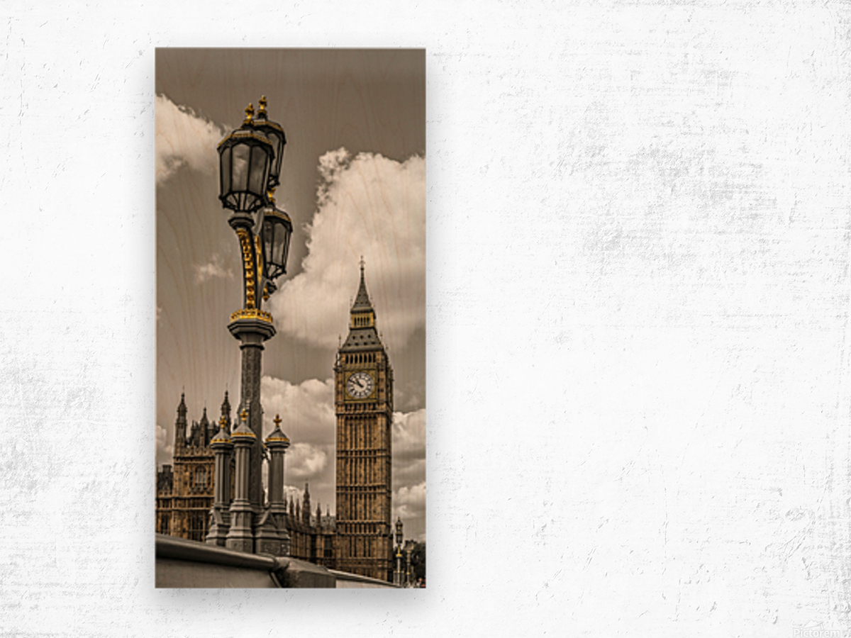 Street lamp with Big Ben in background, London, UK Wood print