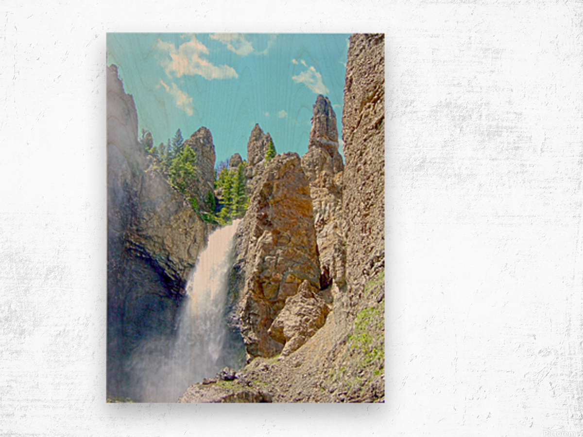 Yellowstone Waterfall - Grand Canyon of the Yellowstone River - Yellowstone National Park Wood print