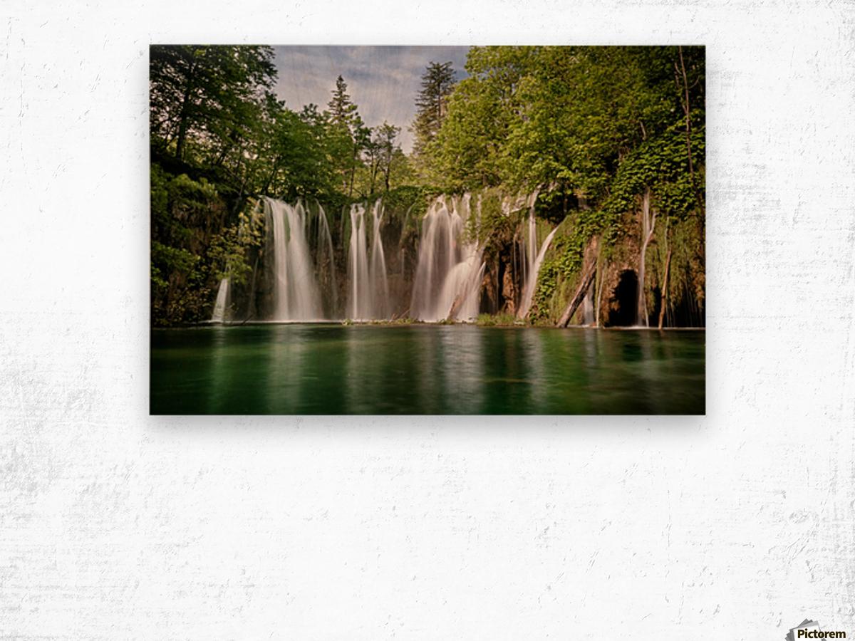 Idyllic Waterfall at Plitvice Lakes Wood print