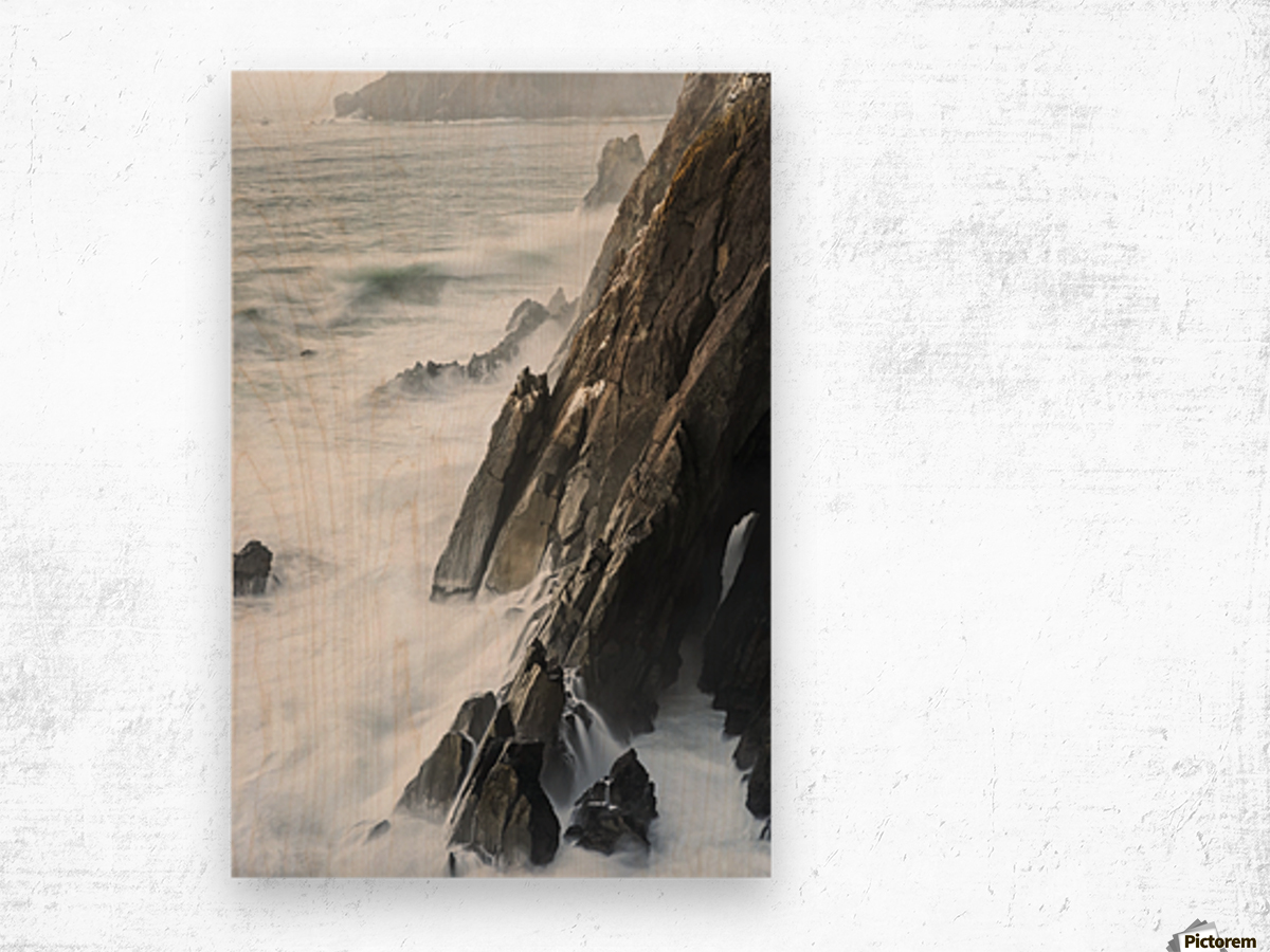 Surf breaks on the rocks; Manzanita, Oregon, United States of America Wood print