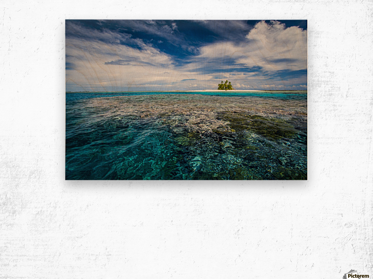 An island that forms part of the marine park, near the Tuvalu mainland; Tuvalu Impression sur bois